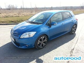 Toyota Auris photo 1