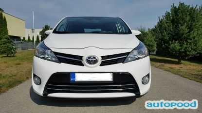 Toyota Verso photo 1
